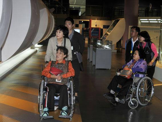 '장애인과 비장애인이 함께하는 아름다운 동행, 열 사람의 한 걸음' 행사. <헤드라인제주>