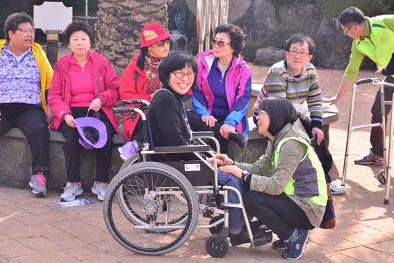 장애인과 비장애인이 함께하는 아름다운 동행 '열사람의 한 걸음'. <헤드라인제주>