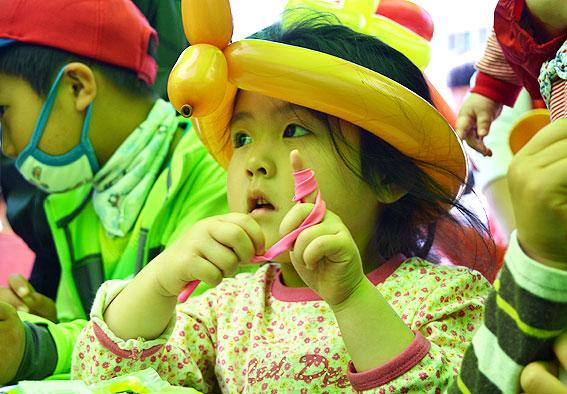 어린이날인 5일 오전 제주한라체육관에서 열린 '아이사랑 대축제'.<헤드라인제주>