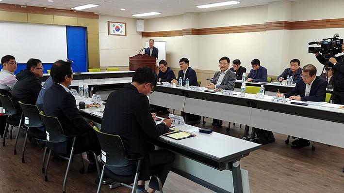 """제2공항 '검토위원회' 본격 가동...""""공론조사는 추후 협의"""""""