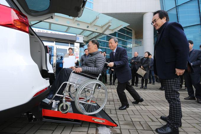 장애인특장차량-전달식-(5).jpg