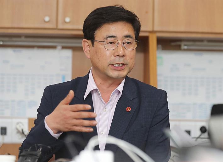 홍명환-의원.jpg