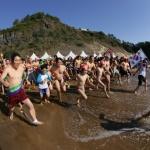 '한겨울 맨몸 바다입수' 서귀포 펭귄수영대회 참가자 모집