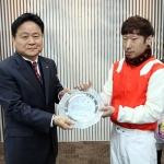 렛츠런파크 제주 김이랑 기수 500승 달성 영예