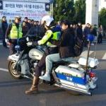 [수능 이모저모] 경찰 신분증 수송작전, 3분 남기고 '세이프'