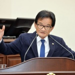 민주당 도의원 영리병원 개원허가 촉구 논란...그는 왜?