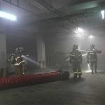 제주, 아파트 지하주차장 벽면 충돌 승용차 화재