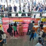 제2공항 반대 시민들, 기본계획 최종보고회장 입구 봉쇄
