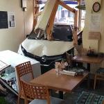 제주, 음식점으로 차량 돌진...60대 운전자 부상