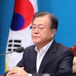 단호 대응 속 대화 열어둔 文…광복절 '분수령'