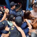 고유정에 분노한 시민들, 머리채 잡고 호송차 막고 '분통'