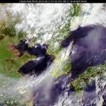 [내일 날씨] 휴가시즌 막바지, 불볕더위 기승...곳곳 산발적 소나기