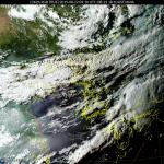 [내일 날씨] 구름 많고 후텁지근 더위...태풍 '바이루', 경로는?
