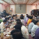 동남장로 교회, 주민과 함께하는 '경로잔치' 개최
